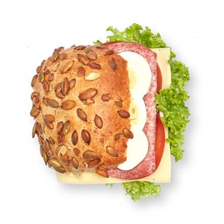 Kürbiskernbrötchen Salami Käse