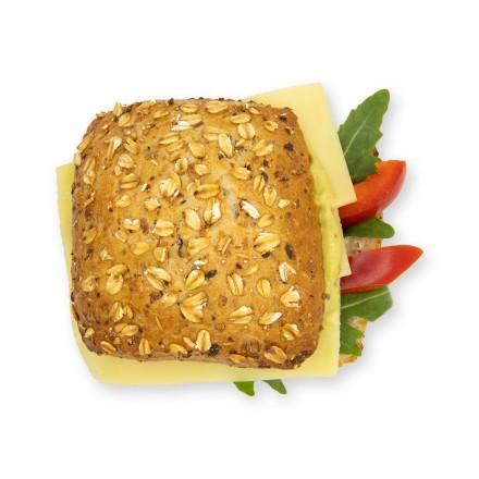 Käse-Avocado-Brötchen